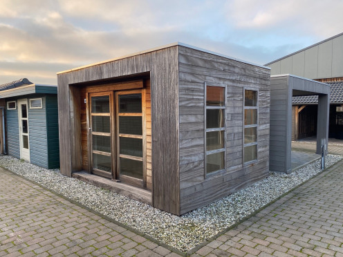 Tuinhuis met plat dak